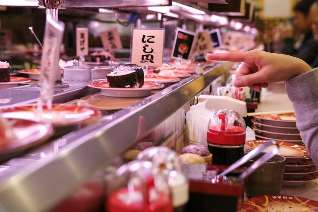 英語 回転寿司 回転すし 説明 例文